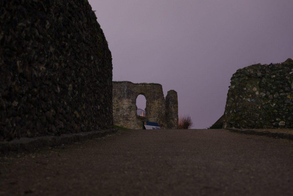 reading ruins qui ora by gabriele gelsi