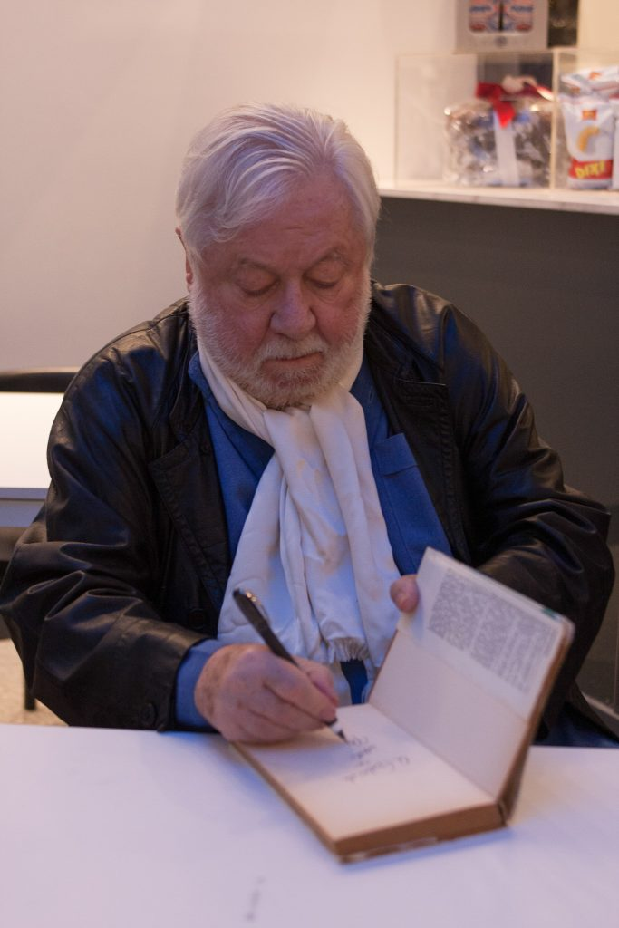 paolo villaggio signing book photo by gabriele gelsi